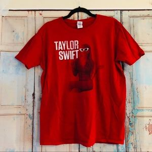 Taylor Swift graphic tee size large